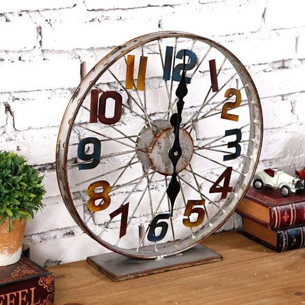 relógio com roda de bicicleta
