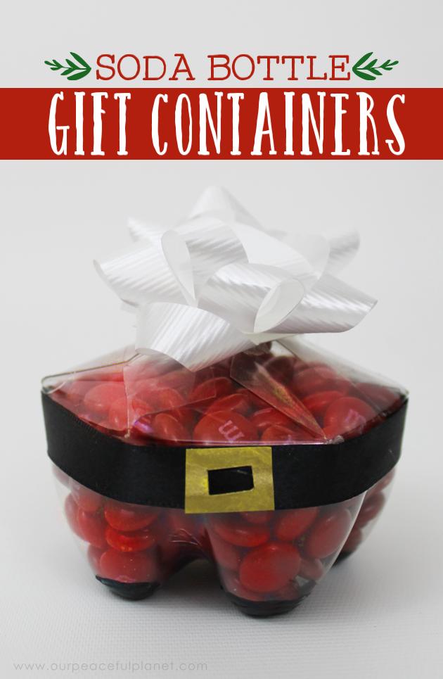 lembrancinha de garrafa pet com chocolates para o natal