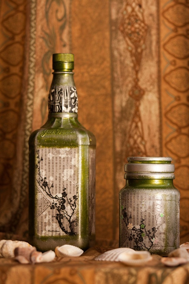 garrafa de vidros decorados