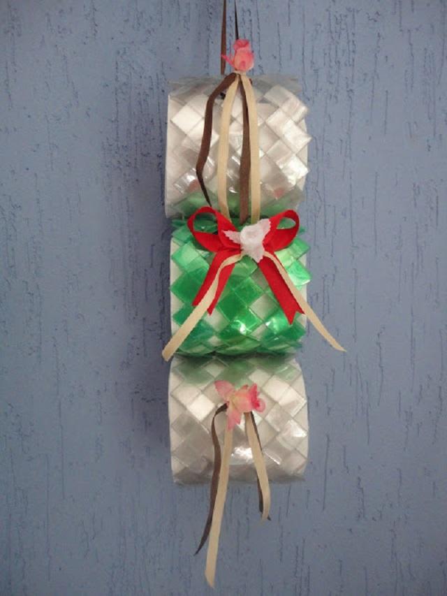 como fazer porta papel higiênico de garrafa pet
