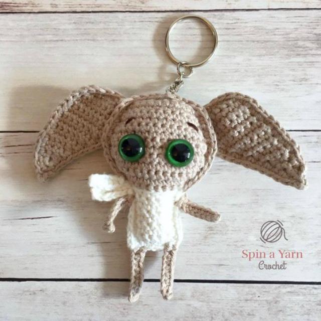 Yorkshire Luly em amigurumi - YouTube   Crochet cão, Padrões de ...   640x640