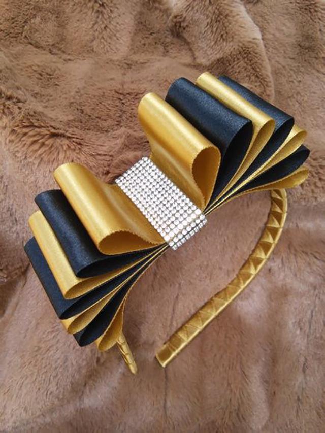 laços de fita para cabelo