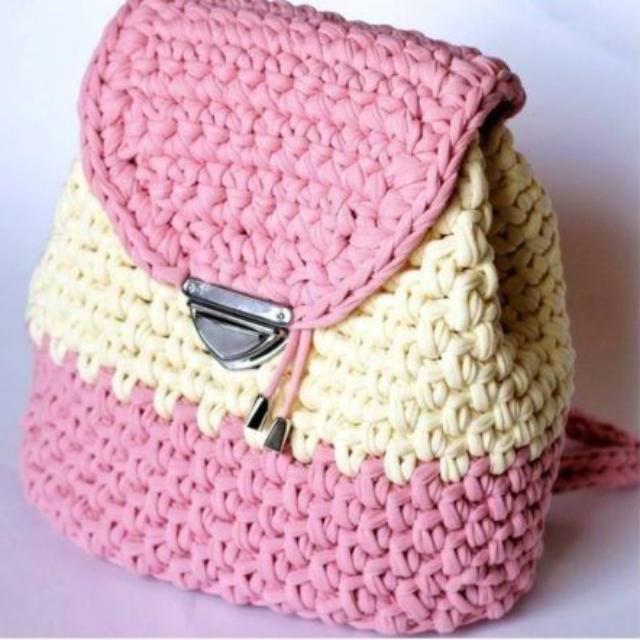 mochila de crochê