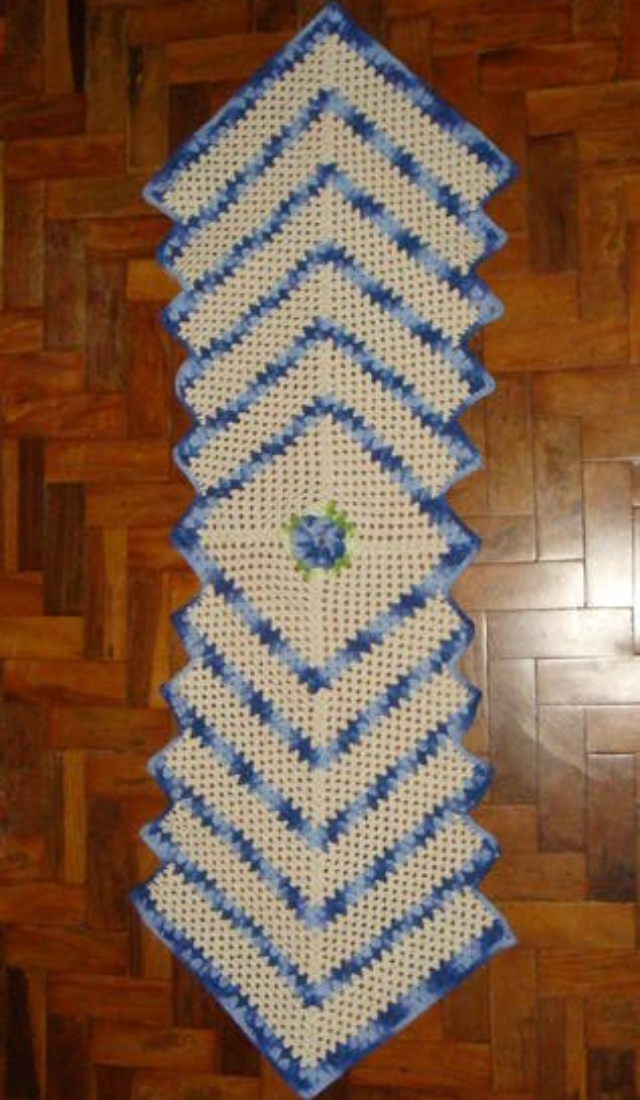 passadeira de crochê com gráfico