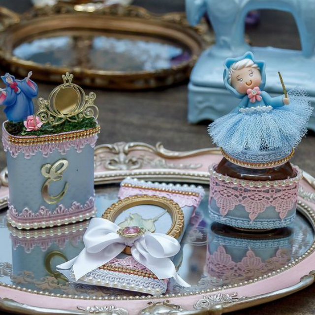 Decoração festa de 15 anos com tema da Cinderela