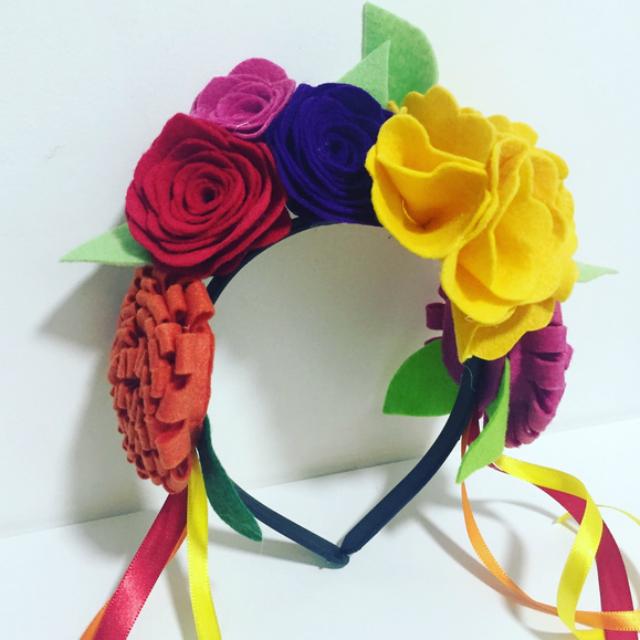 Tiara de flores de feltro
