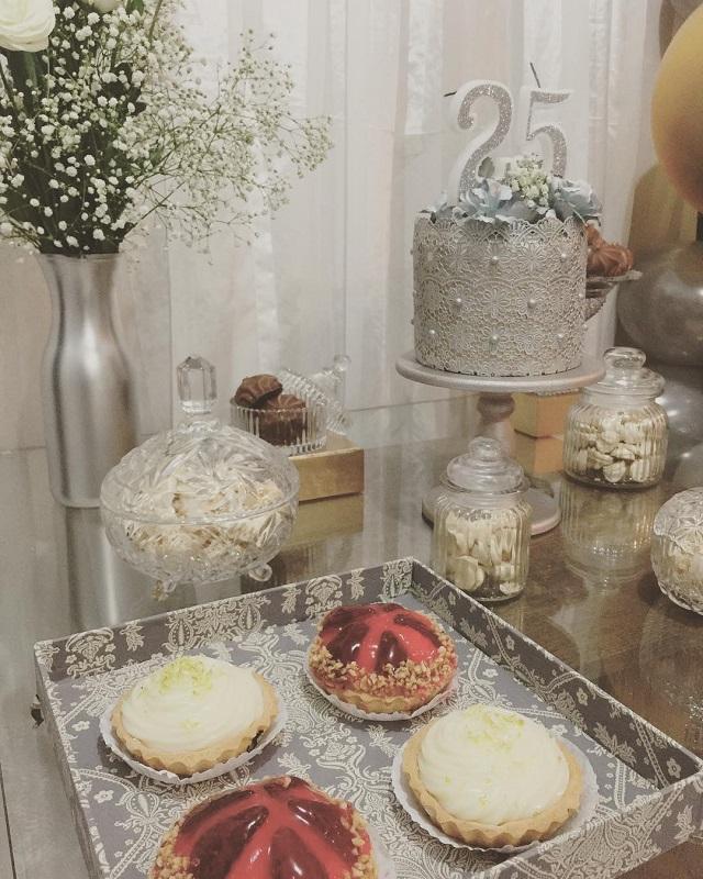 Bolo e doces para bodas de prata