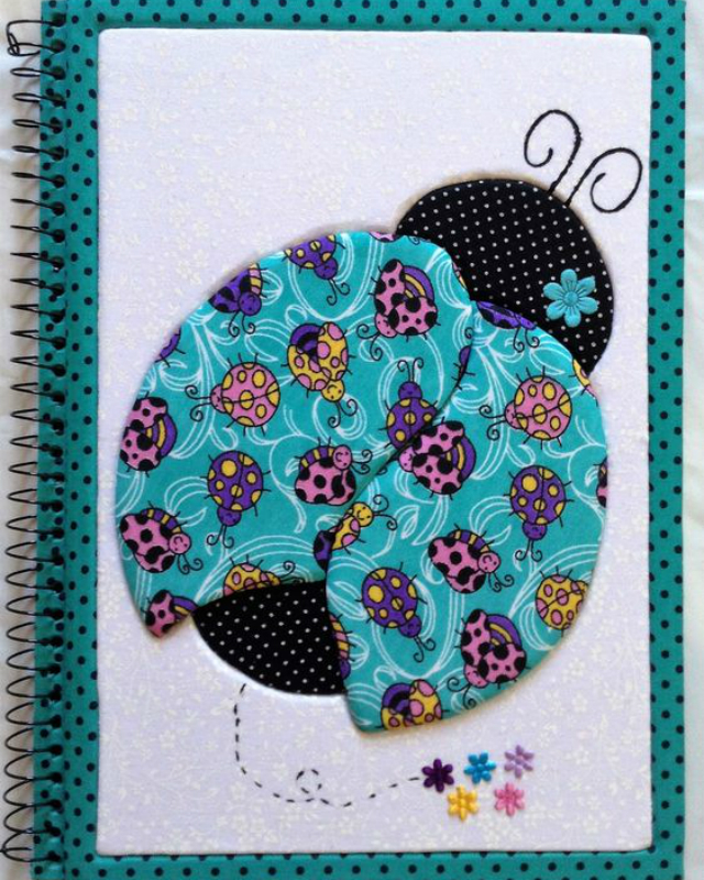 Caderno decorado com patchwork embutido de joaninha