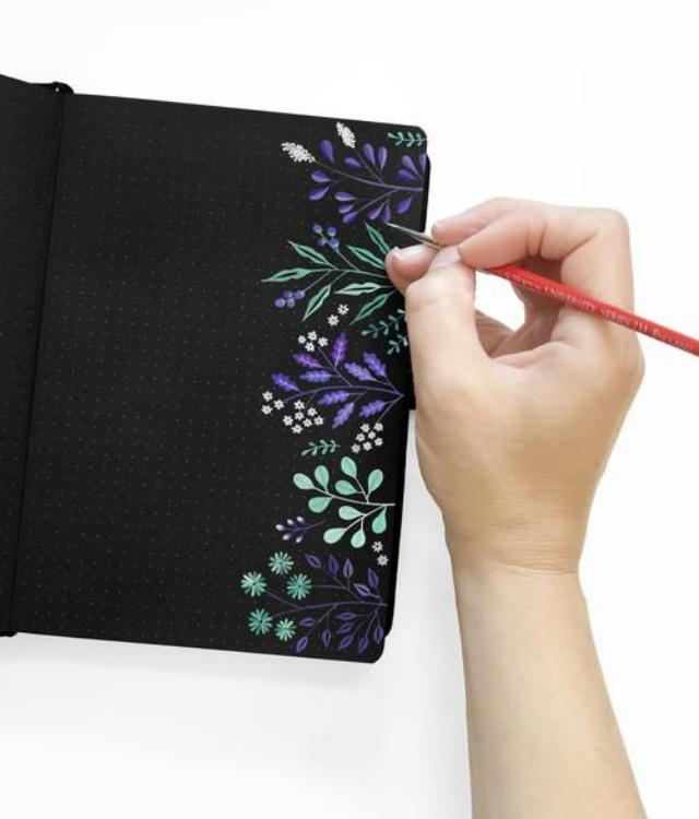 Caderno decorado com pintura