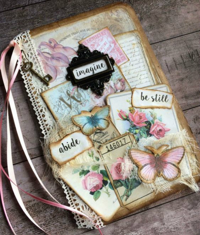 Caderno decorado com Scrapbooking