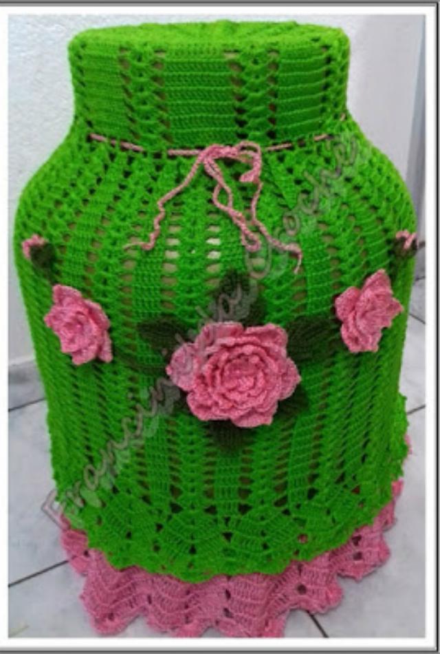Capa de botijão de crochê com aplique de flor