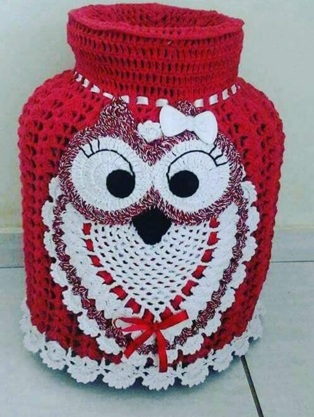 Capa de botijão de crochê com aplique de coruja