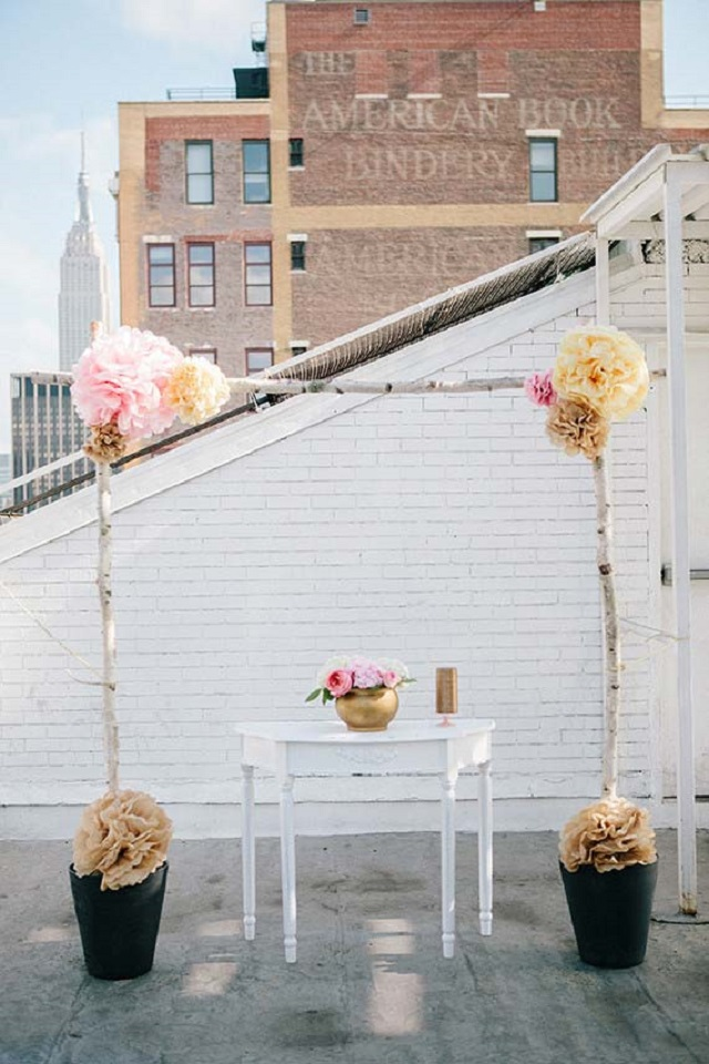 Altar de casamento ao ar livre