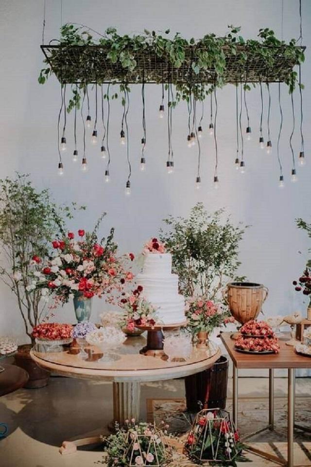 Mesa de casamento de casamento com flores