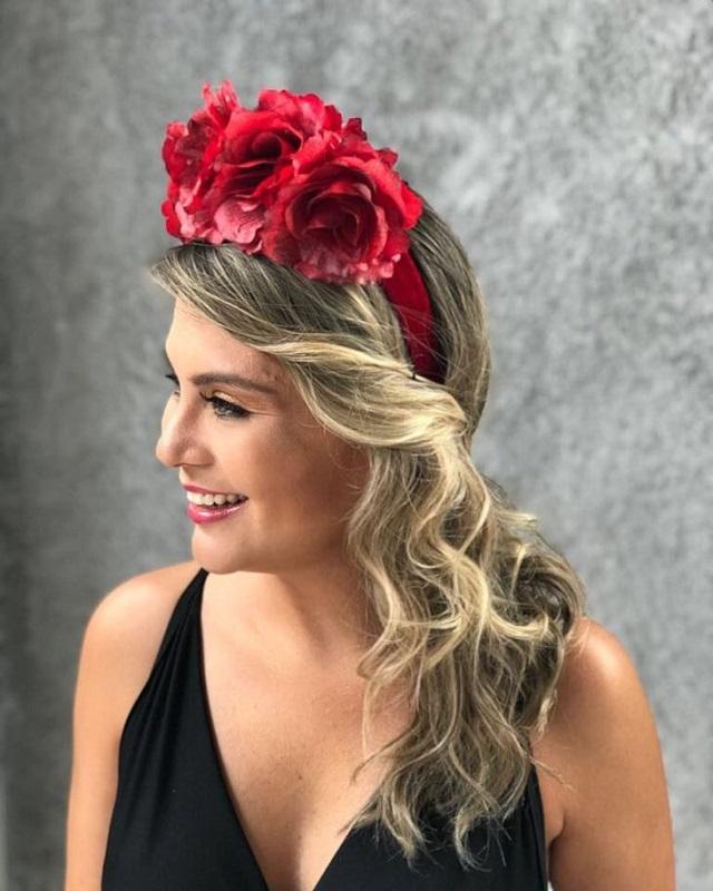 Como ganhar dinheiro fazendo tiara de rosas vermelhas