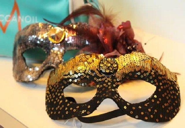 Como ganhar dinheiro fazendo máscara com lantejoula