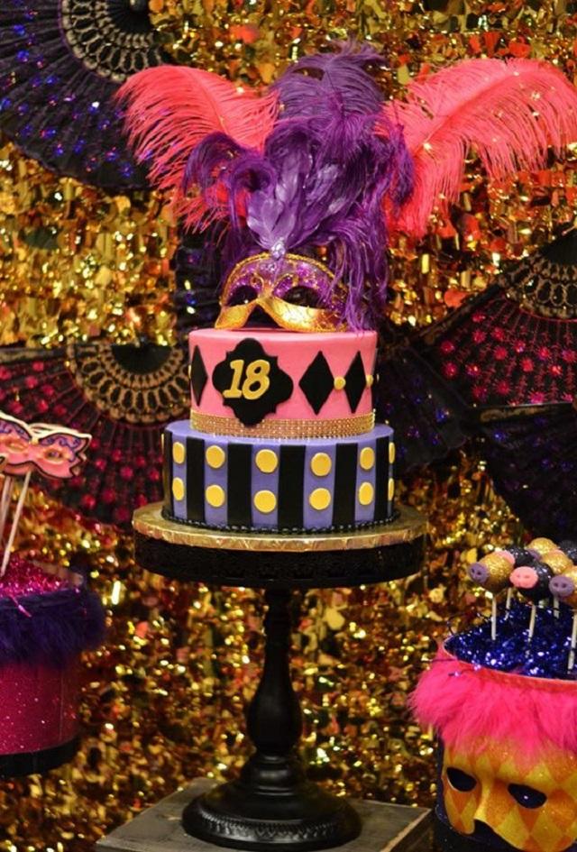 Bolo de festa de Carnaval