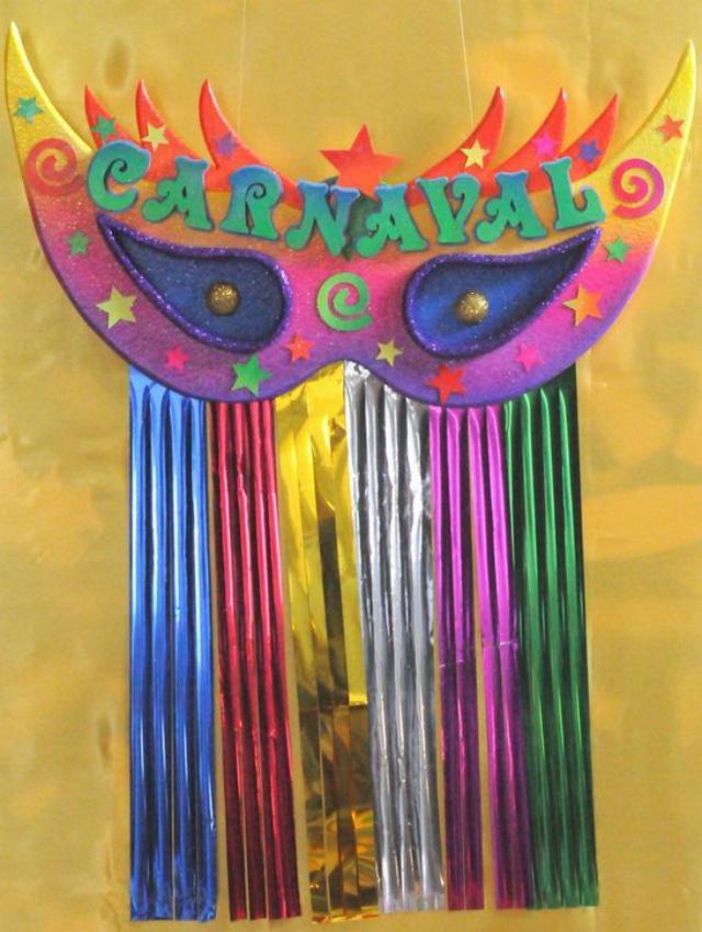 Máscara de carnaval para parede
