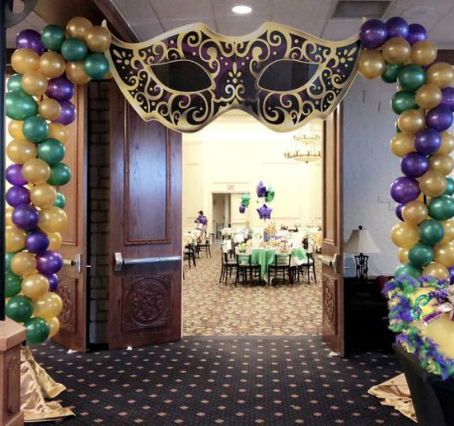 Arco de balões para carnaval