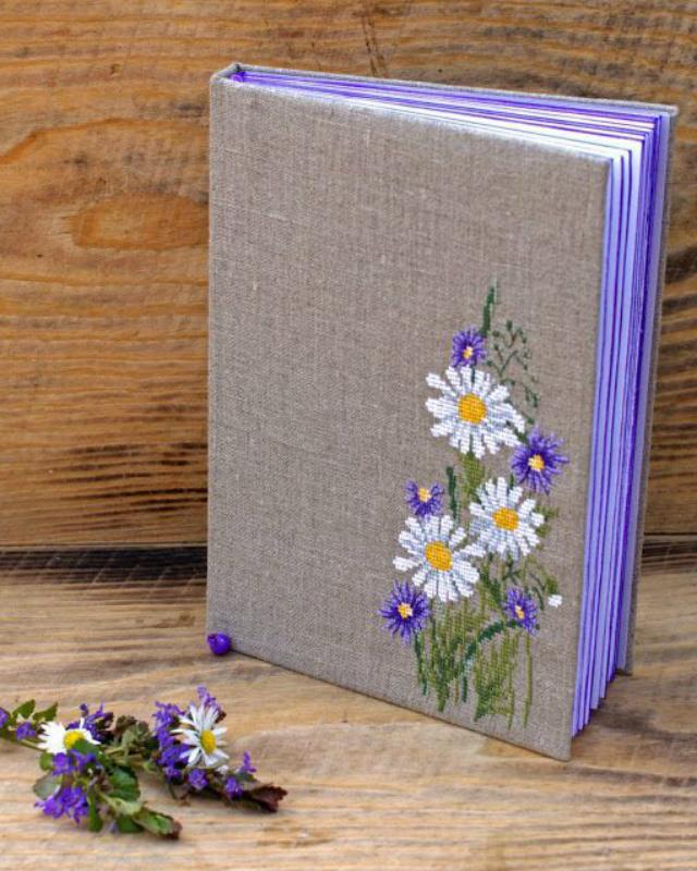 Caderno com capa personalizada de flores