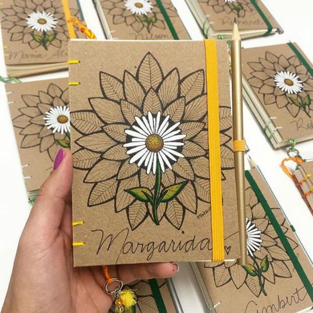 Caderno personalizado de margarida