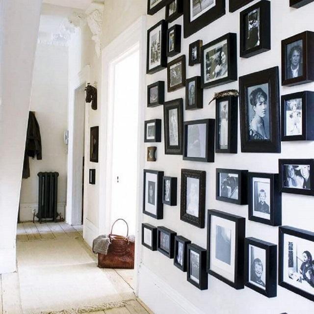 Mural de fotos com moldura preta