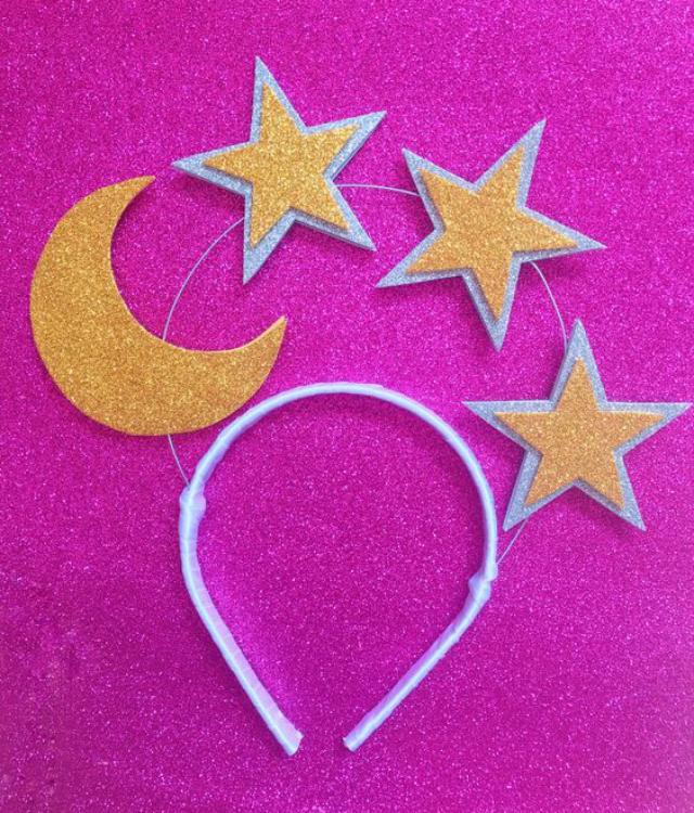 Tiara de EVA lua e estrelas douradas com detalhe prata