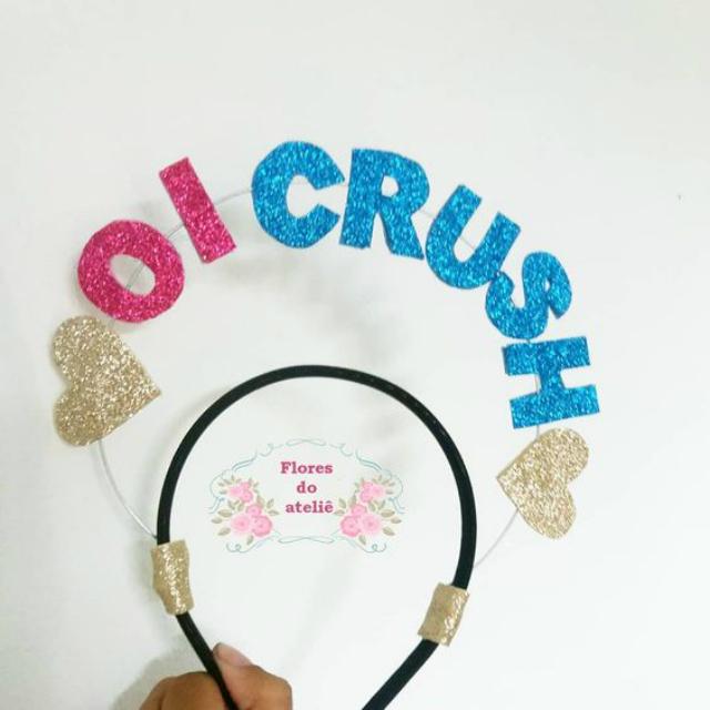 """Tiara de EVA com frase """"oi crush"""""""