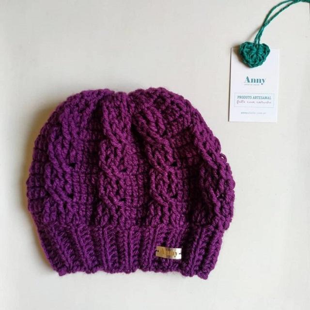 Touca de tricô roxa