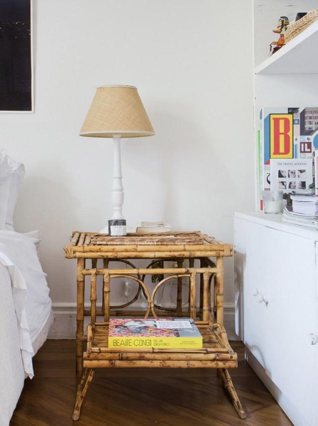 Mesa de cabeceira de bambu