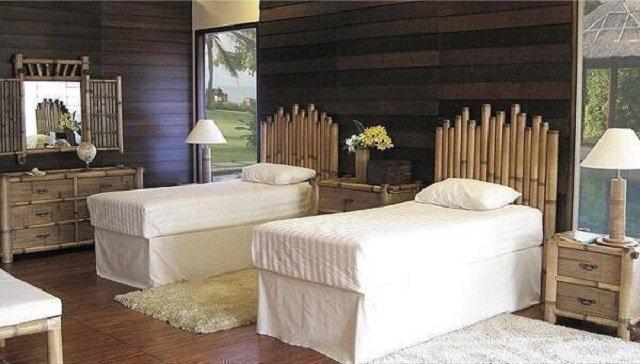 Quarto com móveis de bambu