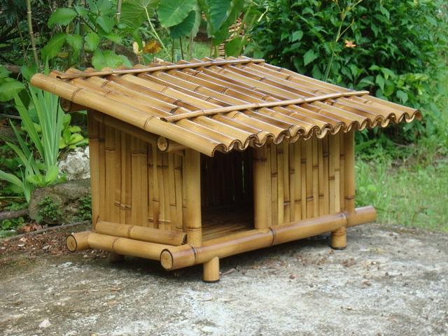 Casinha de cachorro de bambu