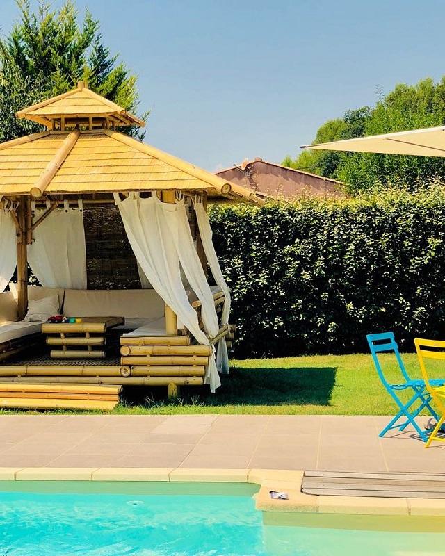 Tenda de piscina de bambu