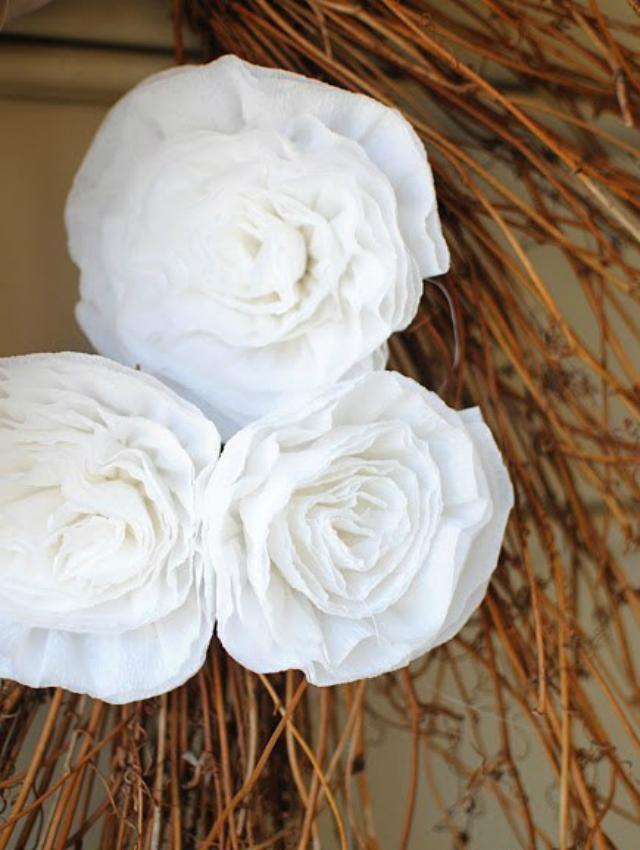 Flores de papel crepom branco