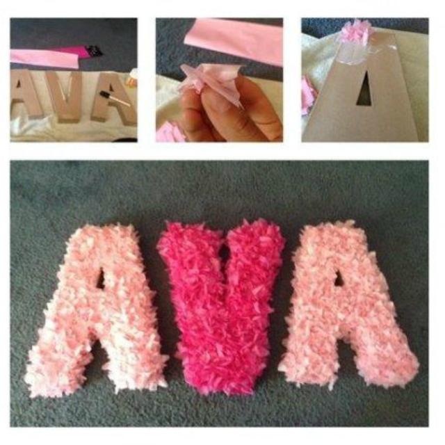 Letras com papel crepom em tons de rosa