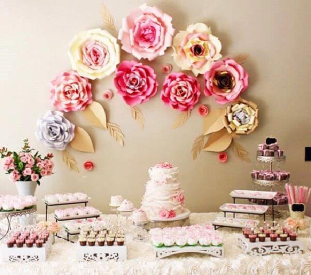 Decoração de festa com flores