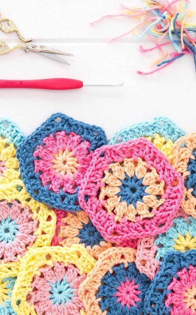 Guardanapo de crochê coloridos
