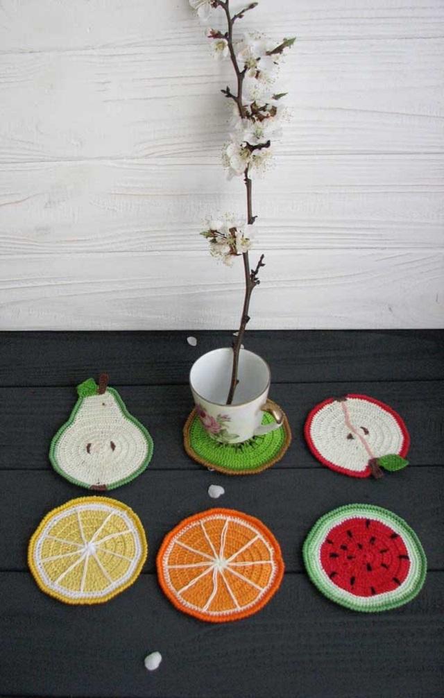 Guardanapo de crochê em formato de frutas