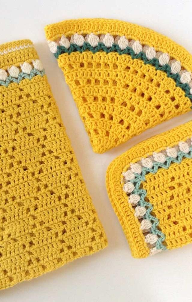Guardanapo de crochê amarelo
