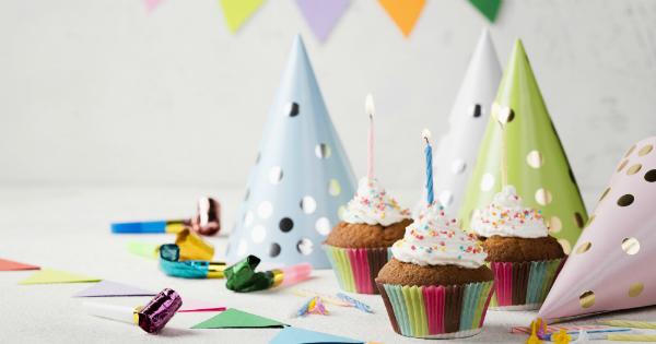 Cupcakes e chapéus de festa