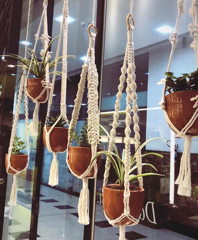 Suportes para plantas de macramê