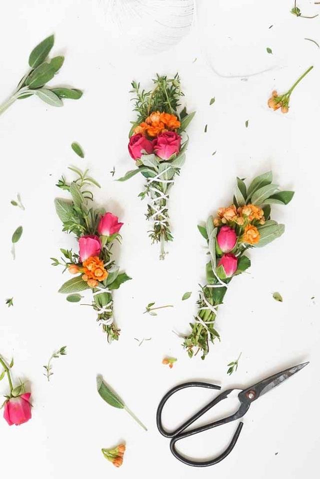 Arranjo de flores de macramê