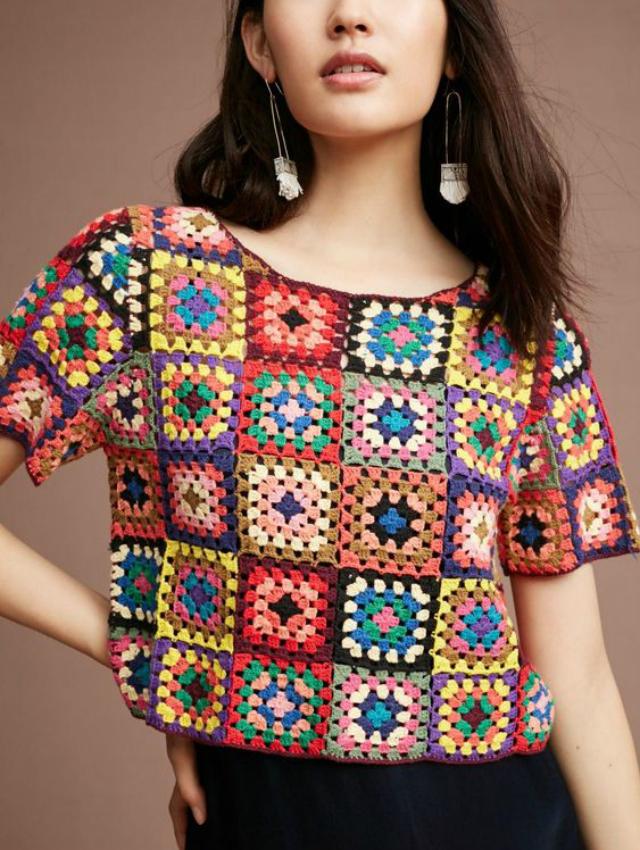 Blusa de quadrado de crochê