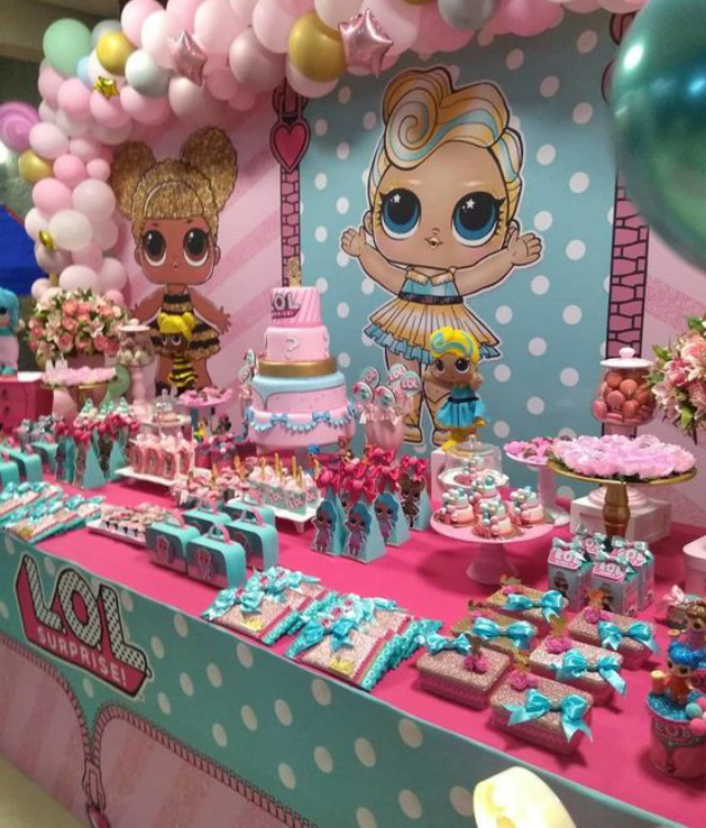 Mesa de doces de festa da LOL