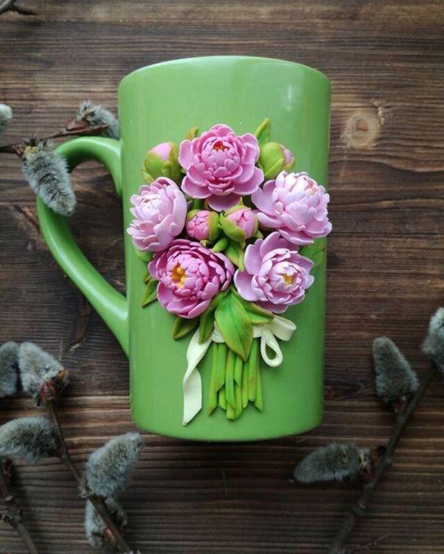 Caneca  de biscuit de rosas