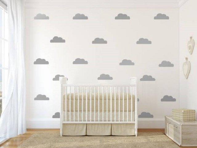 Pintura de nuvens com stencil
