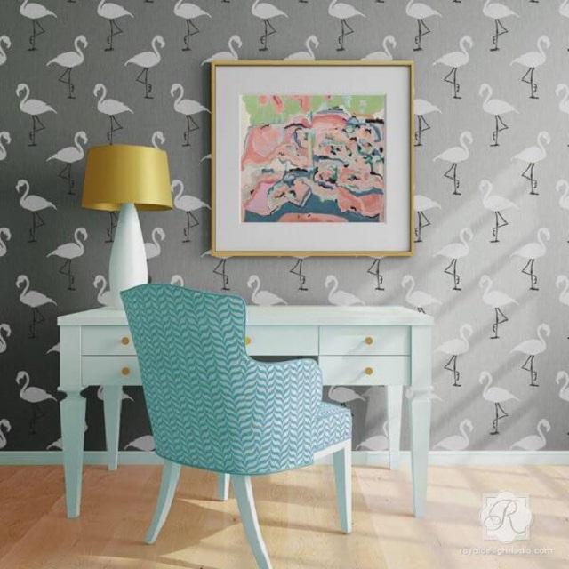 Pintura de flamingos com stencil
