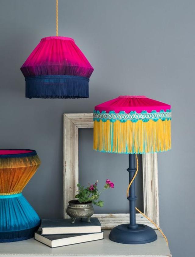 Luminária de barbante colorido