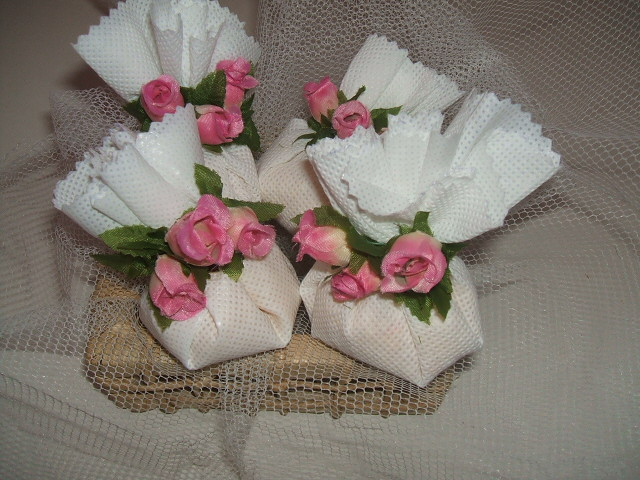 Sachês perfumados com flores