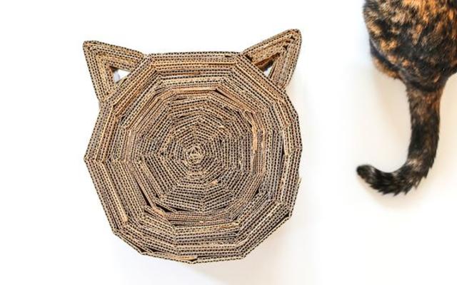 Arranhador para gatos de papelão